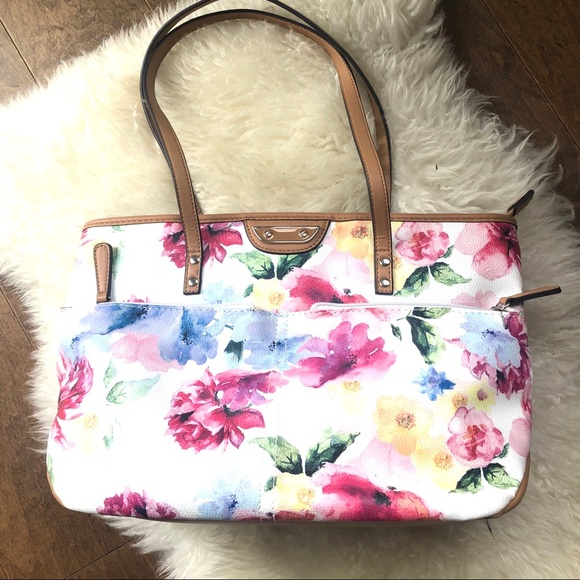 FREE!  Pretty Watercolour floral bag 🦋